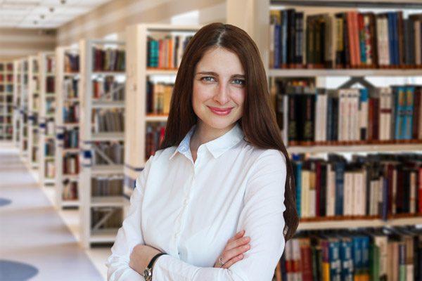 Ирина - преподаватель английского