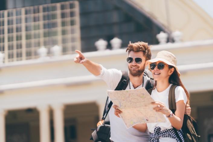 Английский для туристов. 20 универсальных слов и фраз на 4 иностранных языках. И вы точно не пропадете в любой ситуации!